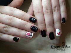 Маникюр и покрытие с ручной росписью - Киев - Студия Beauty Bar