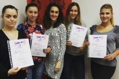 И снова преподаватель Анастасия Баранова с выпускницами базового курса по наращиванию ресниц :) - Киев - Студия Beauty Bar